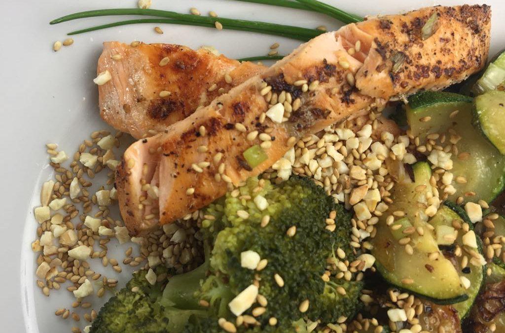 Lachs mit Brokkoli und Zucchini